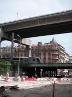 Verkehrsproblem: Autobahn, Eisenbahn und Stadtverkehr