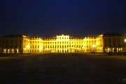 Schönbrunn by night