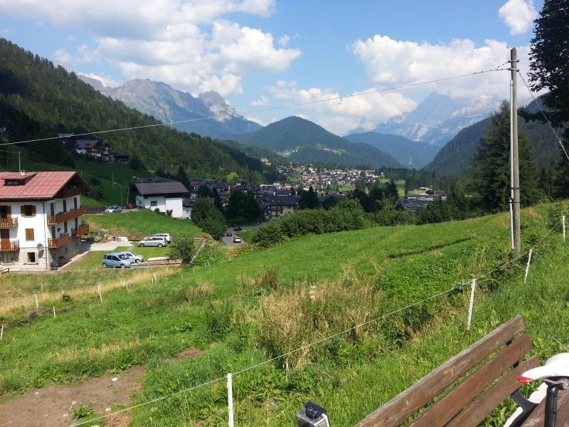 Im Aufstieg zum Passo Valles