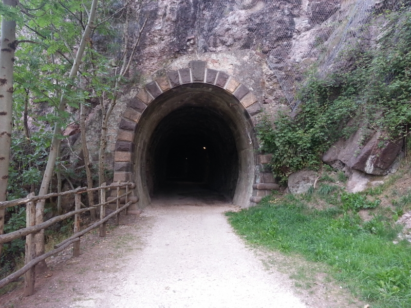 Eisenbahntunnel? Eisenbahntunnel!