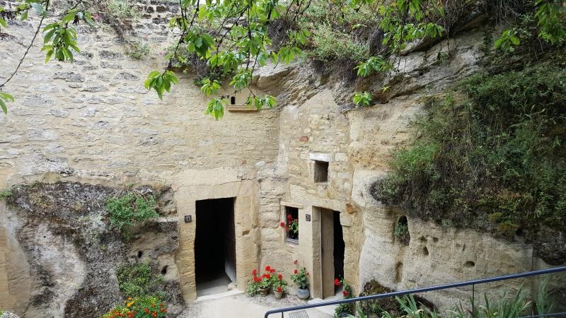 Bauernhäuser in den Fels gebaut