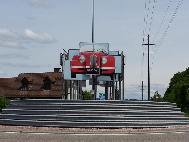 Strassenkreisel in Safenwil