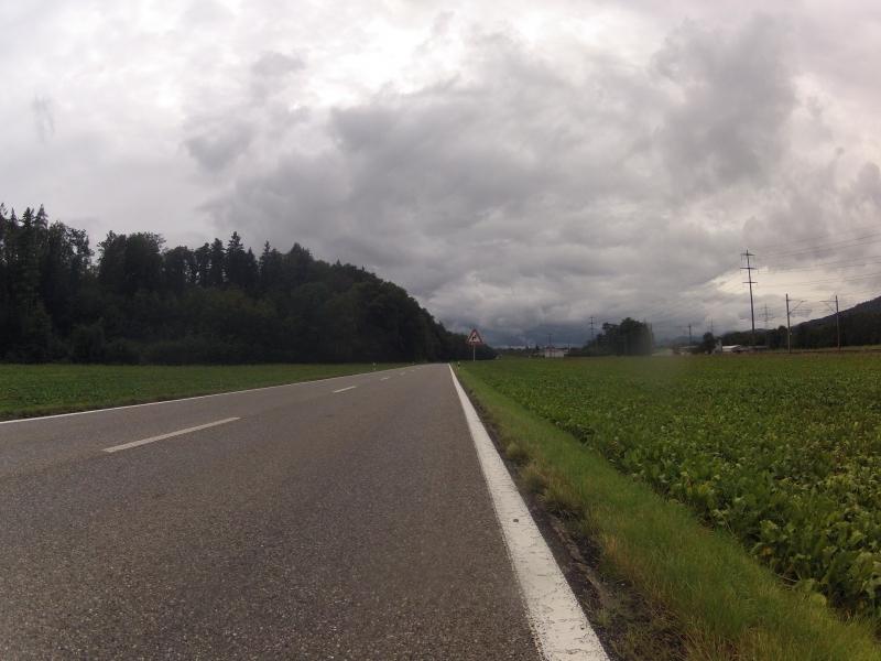 Dunkle Wolken am Jura