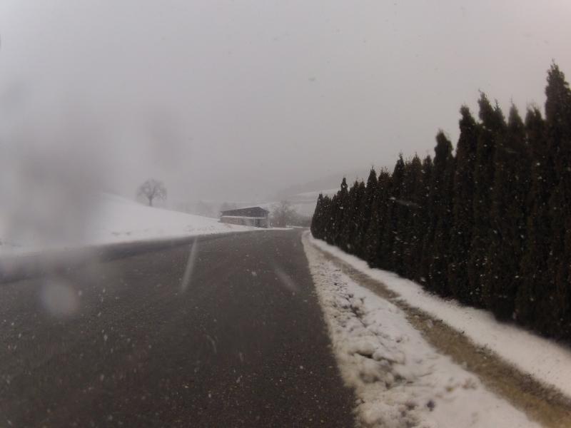 Mitten durch den Schneefall