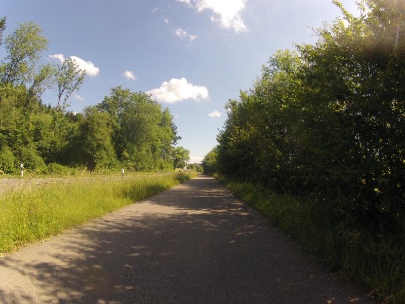 auf ehemaligem Bahntrassee der BDWM-Bahn