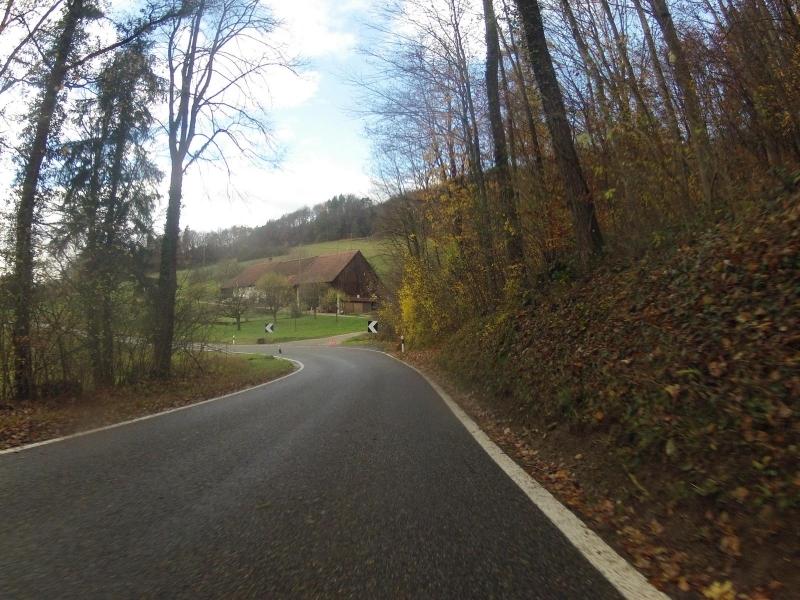 Bauernhof über dem Aaretal (Wellenblech-Strecke)