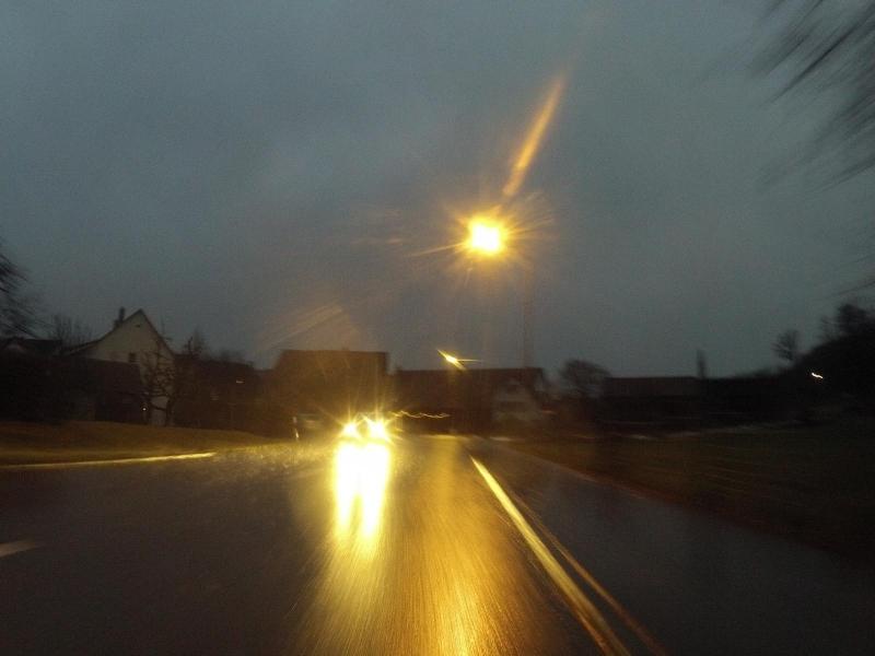 Licht, Reflektionen und Regenwasser