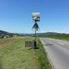 Kantonsgrenze mit Wappen und Orientierungstafel