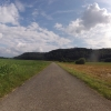 Radweg übers Feld