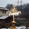 Eisbaum in der Adventsdekoration