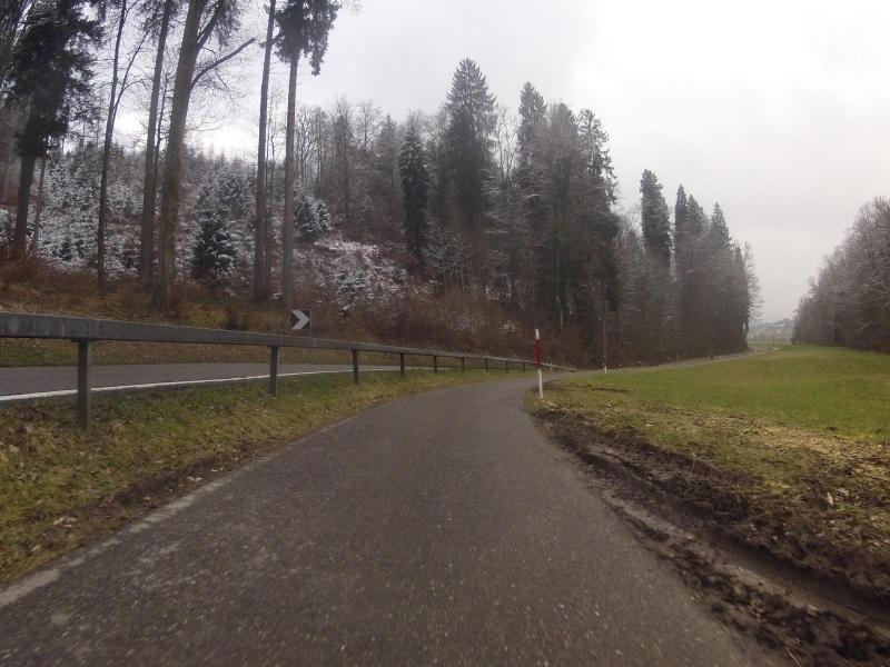Schneeresten, Abfahrt von Ammerswil nach Lenzburg