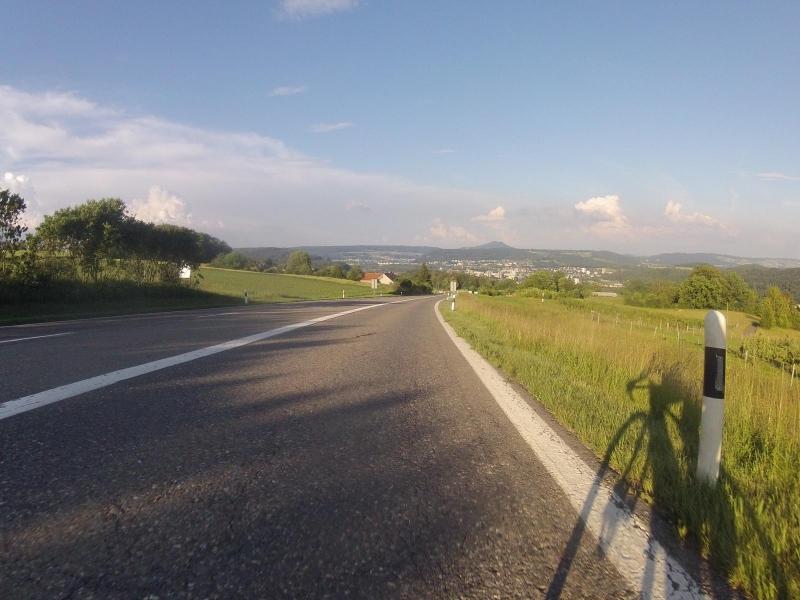 vom Bözberg ins Aaretal hinunter