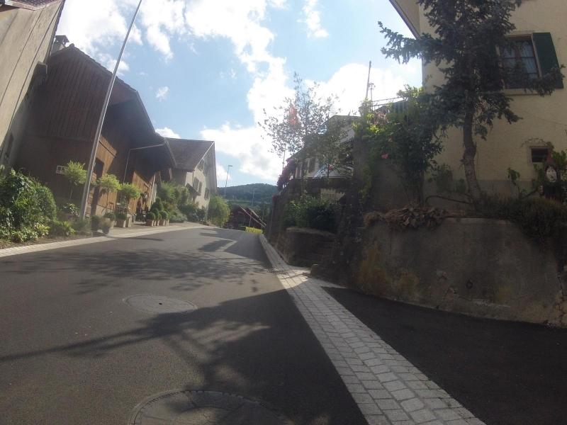 Dorfstrasse in Thalheim