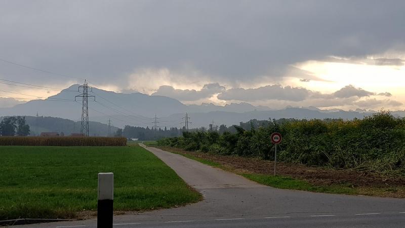 Blick an den Alpenkamm