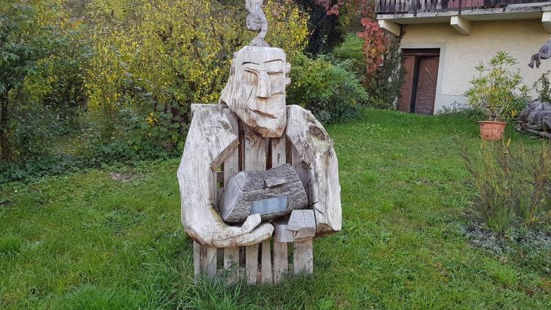 Holzfigur am Strassenrand bei Mellingen