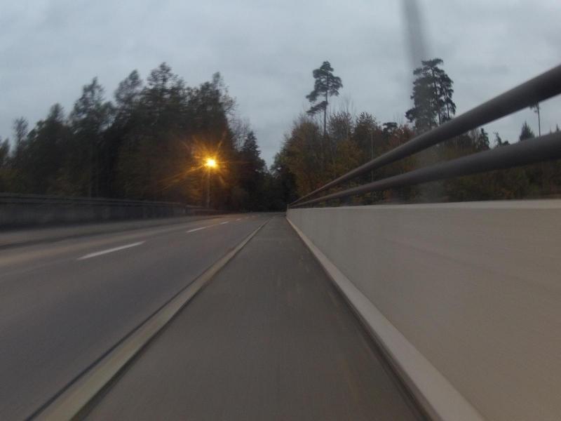 Abendstimmung über der Autobahnbrücke
