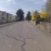 Frühlingshafte Quartierstrasse