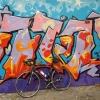 Graffiti an der Autobrücke