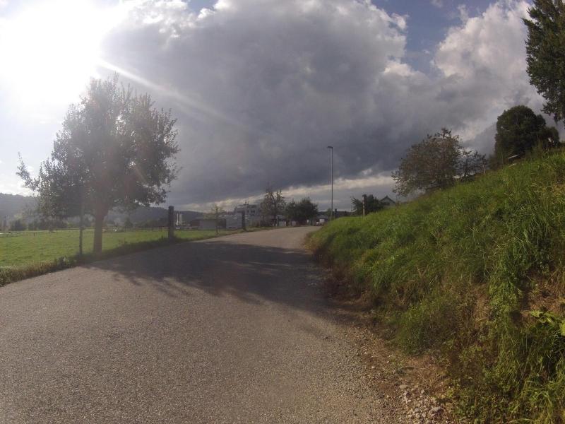 Regenwolken über Baden und Wettingen
