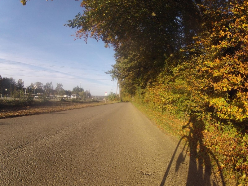 Der Autobahn entlang ins Birrfeld