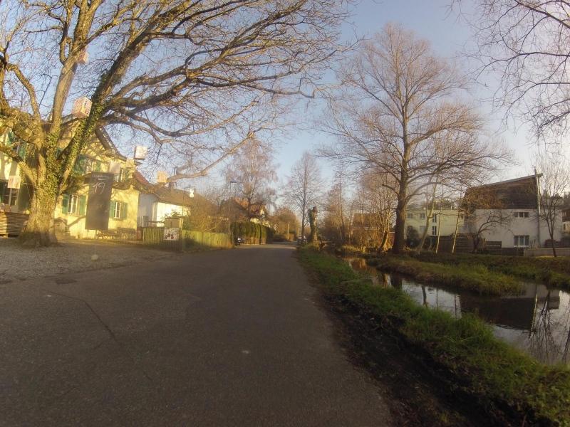 Dem Stadtbach entlang nach Suhr