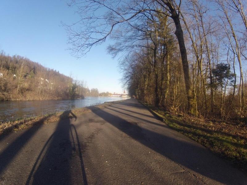 Der Aare entlang, kurz vor Aarau