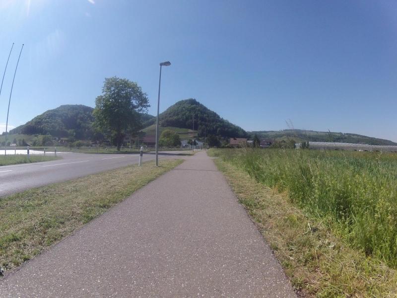 Rotberg im Hintergrund