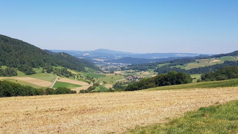 Blick von Staffelegg durch das Schenkenbergertal