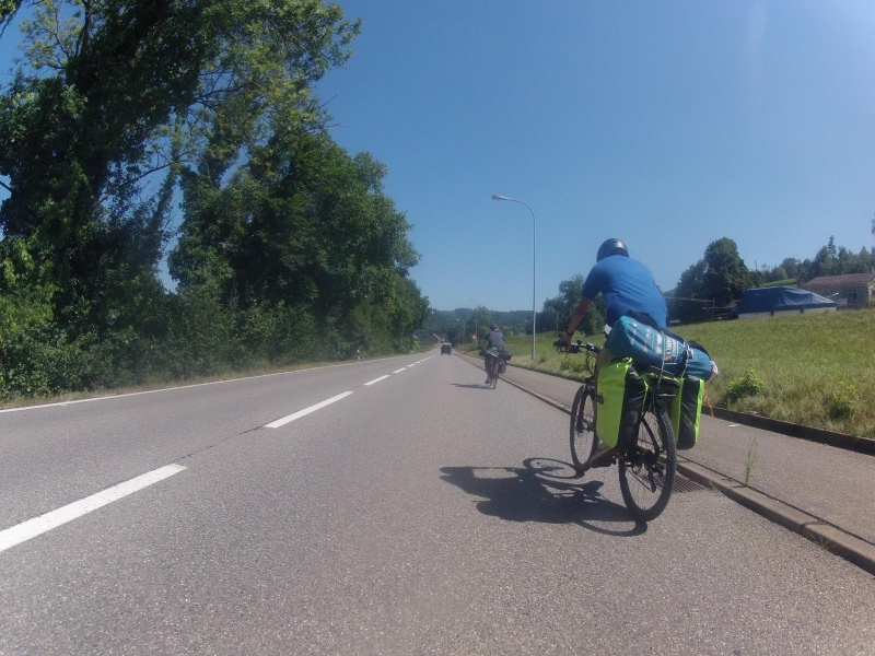 Im Rheintal aufwärts, bei Rümikon