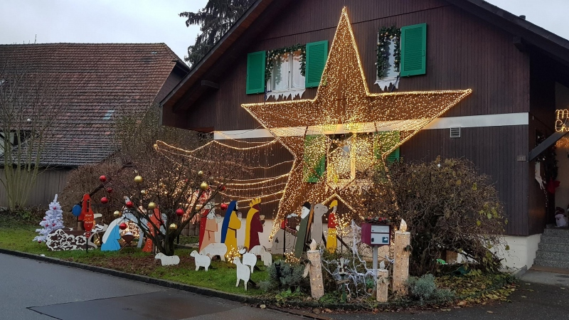 Weihnachtsdekorationen in Rupperswil