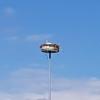 Storchennest auf Strassenkreisel im Reusstal