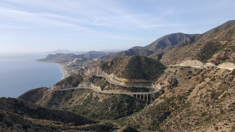 Bergige Küstenstrasse