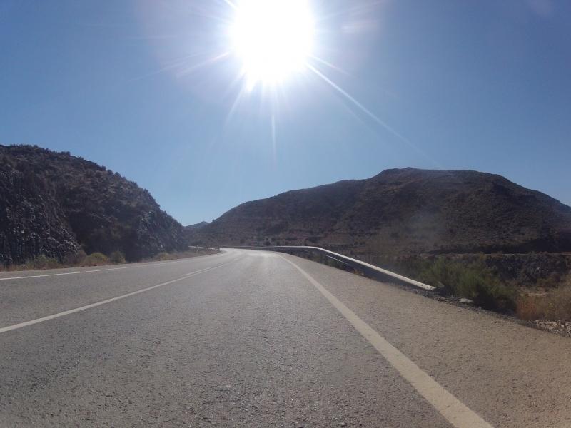 Aufwärts über die Hügelkette