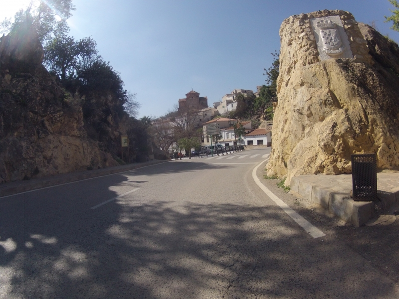 Lubrin, Dorfeingang
