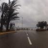 Hotelausfahrt zum Meer hinunter