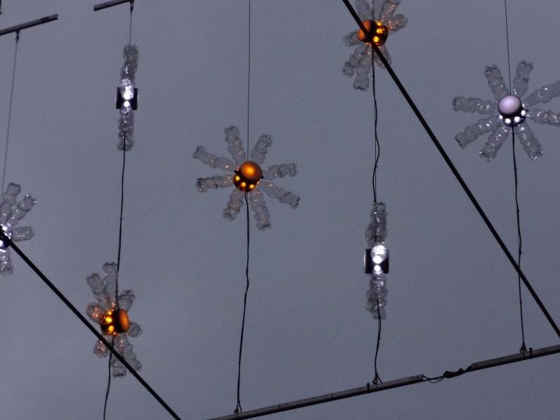 Detail aus Weihnachtsbeleuchtung an der Löwenstrasse