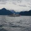 Dampfschiff vor Bergkulisse