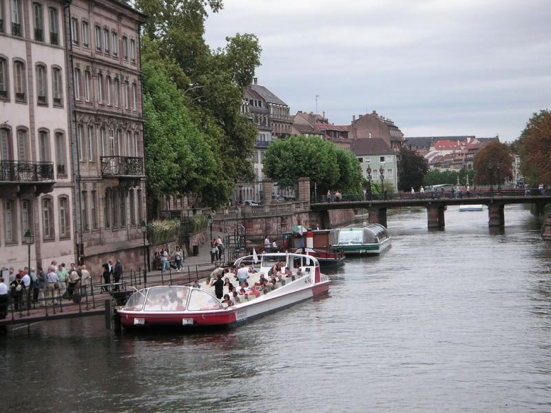 Rundfahrt auf der Jll, rund um Strasbourg