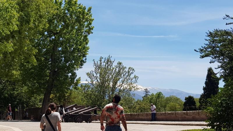 Blick von der Alhambra zur Sierra Nevada