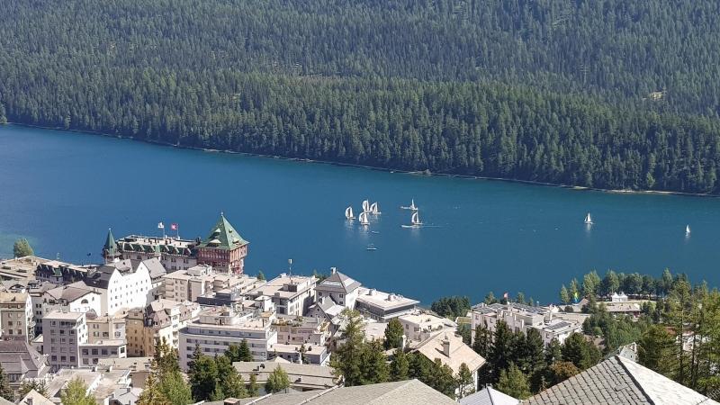 Blick auf die Segelschiffe vor St. Moritz