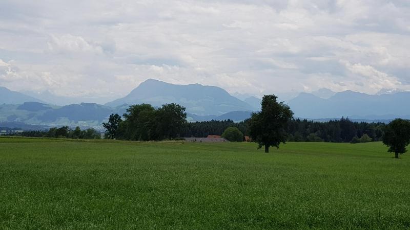 Blick an die Rigi und den Alpenkamm
