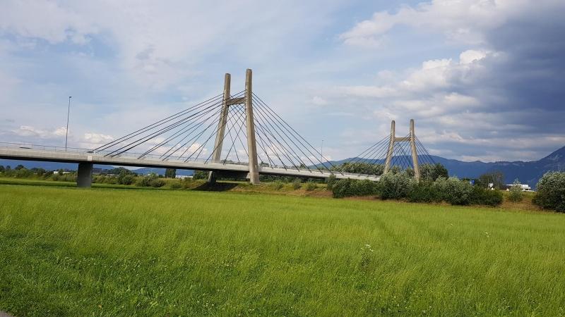 Die Brücken über den Rhein werden imposanter