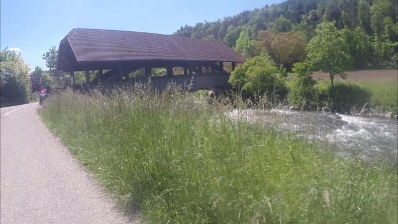 Holzbrücke über die Glatt