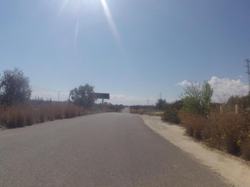 Wellig entlang der Autobahn