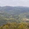 Vom Aussichtspunkt Richtung Stausee und Hinterland
