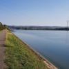 Auf dem Dammweg am Klingnauer Stausee