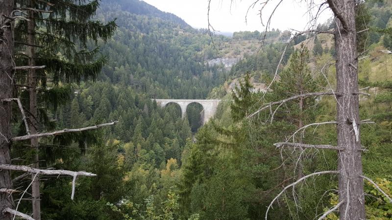 Bahn- und Strassenbrücke nach Leukerbad