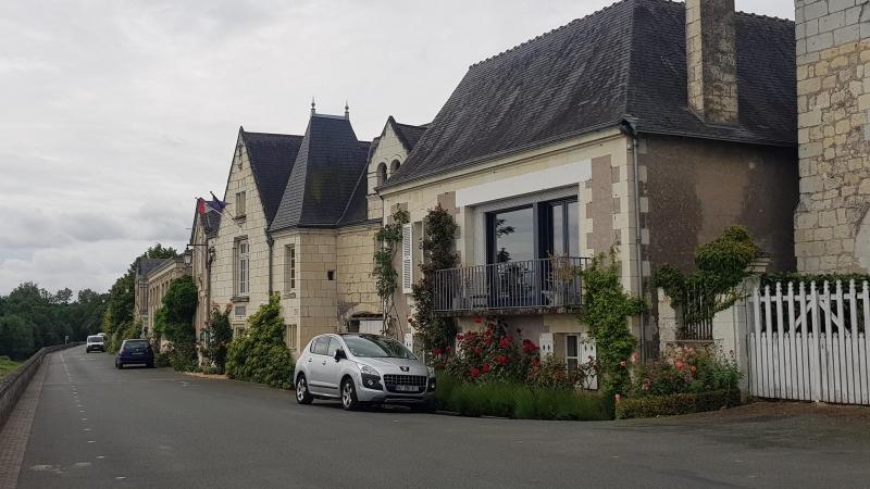 Häuserreihe an der Loire