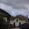 Morgenstimmung in Ax les Thermes. Der Regen vom Vorabend hat eine Fortsetzung.