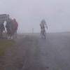 5. Etappe: Das Wetter macht immer mehr zu. Noch ist es erst Nieselregen aus dem Nebel.